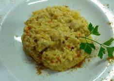 WW curry chicken risotto, recipe for a good hearty dish full of flavor, perfect for a full evening meal with a good vegetable salad. Chicken Risotto, Chicken Curry, Plats Weight Watchers, A Food, Food And Drink, Unique Recipes, Ethnic Recipes, Homemade Muesli, Risotto