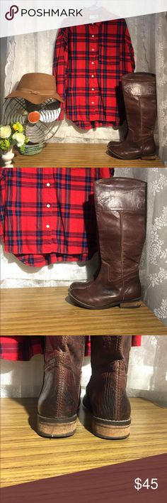 Mia 7.5 brown boots Beautiful boots!  In great condition!  Size L Old Navy flannel and brown hat also available in my closet! Mia Shoes Combat & Moto Boots