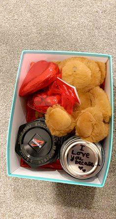 #valentinesdaygiftsforhim #valentinesdaygift Valentine Day Boxes, Chocolate Fondue, Acai Bowl, Gift Ideas, Breakfast, Desserts, Gifts, Food, Acai Berry Bowl