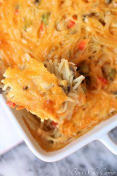 Chicken Spaghetti Casserole – Tina's Chic Corner Chicken Spaghetti Casserole, Chicken Spaghetti Recipes, Baked Spaghetti, Pasta Recipes, Cooking Recipes, Healthy Recipes, Chicken Recipes, Yummy Recipes, Yummy Food