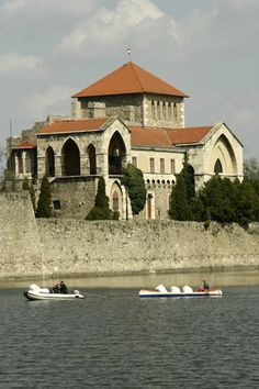 Castle Tata , Hungary Beautiful Castles, Beautiful Places, Heart Of Europe, Central Europe, Budapest Hungary, Wonders Of The World, Croatia, Medieval Castle, Around The Worlds