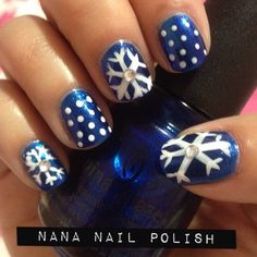 Snowflake Nails - Winter Christmas Nail Art, and yes. even though it is only Sept i am ready for winter! Holiday Nail Art, Christmas Nail Designs, Winter Nail Art, Christmas Nail Art, Winter Nails, Winter Christmas, Snow Nails, Xmas Nails, Fancy Nails