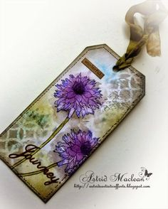 Hi all and happy Sunday. This is for once a non scheduled post, I am going to hit the publish button as soon as I have finished writing this..... Just sharing my version of Tim Holtz's April tag. I am
