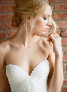 Romantic updo   Amanda Watson Photography   see more on: http://burnettsboards.com/2015/10/ethereal-simplicity/