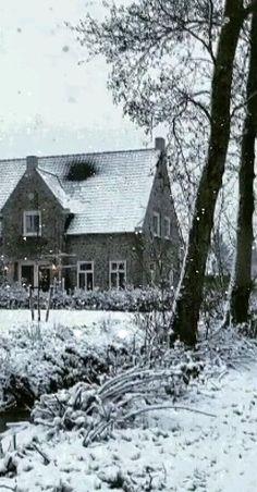 Winter Magic, Winter Snow, Beautiful Christmas Scenes, Cottage Art, Autumn Scenery, Snowy Day, Winter Beauty, Perfect World, Winter Landscape