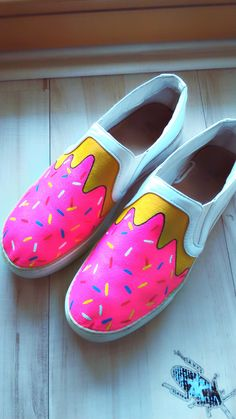 hand made doughnut style shoes