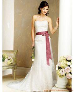 Robe de mariée bustier avec ceinture