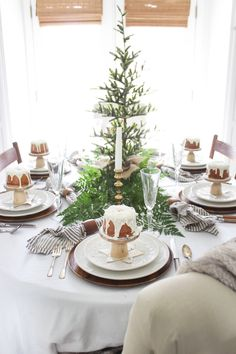 Individual cakes for each place setting on Christmas tablescape