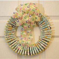 What a beautiful way to turn those old fashioned clothespins into a gorgeous decoration for Easter. You can customize this Clothespin Easter Wreath for any Clothes Pin Wreath, Diy Clothes, Easter Party, Chocolate Bunny, Coloring Easter Eggs, Easter Outfit, Easter Wreaths, Egg Hunt, Topiary