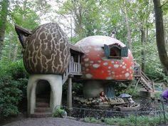 Bobsleigh, Attraction, Mushroom House, Mushroom Art, Storybook Cottage, Unusual Homes, Forest House, Paperclay, Parcs