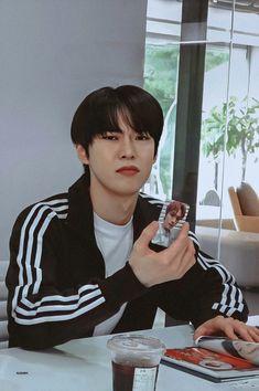 Nct 127, Nct Doyoung, Funny Kpop Memes, Boyfriend Material, Super Junior, Jaehyun, Nct Dream, Husband, Boys