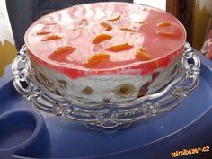 .Nepečený jogurtový dort s ovocem