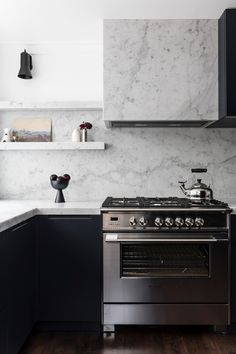 Real reno: Luxe materials star in Sydney terrace The home's new kitchen combines black cabinetry wit Kitchen Upstairs, New Kitchen, Kitchen Ideas, Long Kitchen, Kitchen Hoods, Kitchen Cabinetry, Kitchen Reno, Kitchen Designs, Kitchen Interior