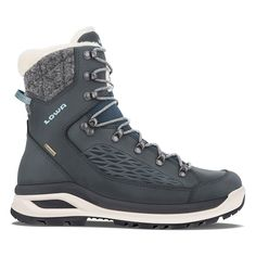 Outdoor shoes for women - Lowa W Renegade Evo Ice Gtx® Black Hiking Boots, Winter Hiking Boots, Cold Weather Boots, Evo, Winter Fashion Tumblr, Navy Boots, Walking Boots, Waterproof Shoes, Winter Mode