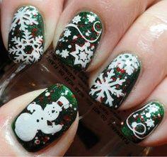 Piękne paznokcie w stylu świąt