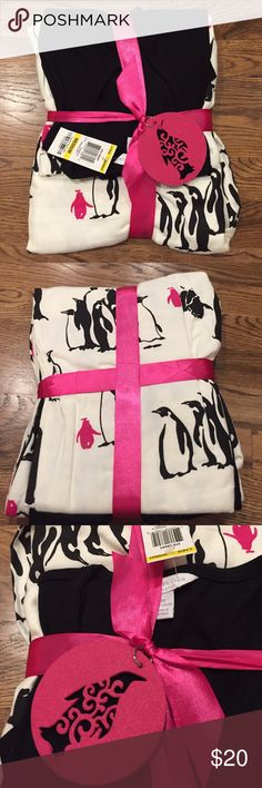 🎁 Perfect Gift NWT Charter Club Penguin Pajamas Would make a perfect gift!! 🎁NWT Charter Club Matching pajama set.  Top is black V-Neck and Bottoms are white with black & pink penguins!  Wrapped with pink ribbon and penguin felt tag.  So cute!! Charter Club Intimates & Sleepwear Pajamas