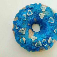 Every single one came out spectacular! Blue and shiny smelling of the glittering sea, green like a garden smelling of peppermint and yellow like a sweet summer day smelling of lemon! Summer Days, Doughnut, Peppermint, Yellow, Blue, Lemon, Soap, Etsy, Sweet