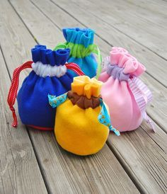 ikat bag: Simple fleece treasure pouches. Link to full tutorial.
