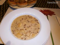 sk - recepty a videá o varení Lentils, Cheeseburger Chowder, Wok, Beans, Food And Drink, Cooking, Recipes, Red Peppers, Kitchen