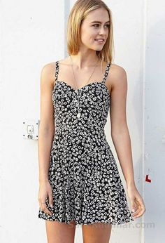 Flower Child Fit & Flare Dress (week is clothes) Pretty Outfits, Pretty Dresses, Beautiful Dresses, Cute Outfits, Beautiful Days, Look Fashion, Fashion Outfits, Gq Fashion, Casual Dresses