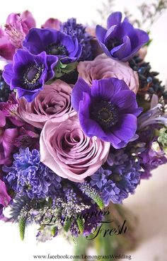 love the colors, the dark contrast with lighter softer hues Exotic Flowers, Pretty Flowers, Purple Flowers, Beautiful Flower Arrangements, Floral Arrangements, Deco Floral, Flower Wallpaper, Flower Bouquet Wedding, Floral Bouquets
