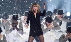 Taylor Swift // Brit Awards 2015