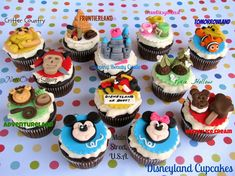 Aren't these amazing! So cute! #Disneyland #Cupcakes Check out @Lynlee ~ Lynlee's Petite Cakes