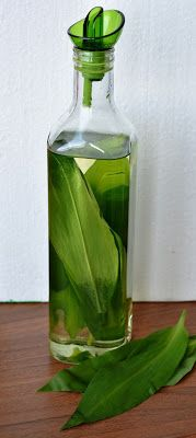 Co ještě z medvědího česneku Vodka, Detox, Glass Vase, Food And Drink, Drinks, Lemon, Syrup, Health, Drinking