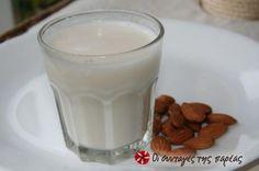 Γάλα από ωμά αμύγδαλα: αγνό ρόφημα με πολλά θρεπτικά συστατικά και σημαντική πηγή ασβεστίου. Ιδανικό για χορτοφάγους και άτομα με δυσανεξία στη λακτόζη που δεν πίνουν γάλα αγελάδος. Κατάλληλο για συνταγές μαγειρικής και ζαχαροπλαστικής.