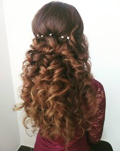 Discover recipes, home ideas, style inspiration and other ideas to try. Hairdresser, Pixies, Hair Beauty, Make Up, Style Inspiration, Long Hair Styles, Instagram Posts, Queens, Makeup