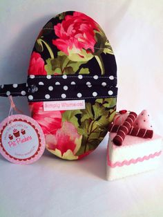 Savannah FrenchToast Pot Pinchers by SimplyWhimsicalGifts on Etsy, $12.00