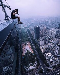 Landscape Drone Photography : Terrifying Rooftop Photography From The Futurescapes of Shanghai by Jennifer Bin Urban Photography, Aerial Photography, Creative Photography, Street Photography, Landscape Photography, Travel Photography, Parkour, City Wallpaper, Foto Instagram