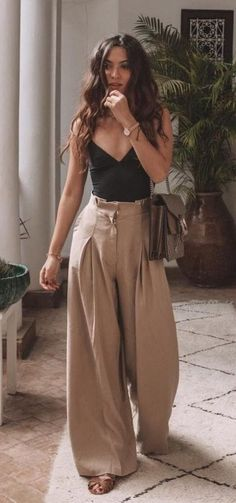 45 cutest summer outfits to try - Wass Sell outfits - cute outfit. 45 cutest summer outfits to try - Wass Sell outfits - cute outfits - 45 süßeste Sommeroutfits zum Probieren - Wass Sell Die mächtigsten Frauen in Business Wear Kleide Mode Outfits, Casual Outfits, Fashion Outfits, Classy Outfits, Tank Top Outfits, Ankara Fashion, Woman Outfits, Country Outfits, Fashion 2018