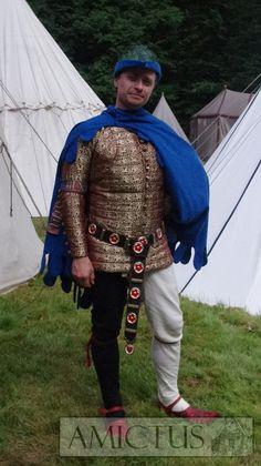 Jedwabny, ręcznie pikowany pourpoint, uszyty w oparciu o zachowany strój Charles\\\'a de Blois - późny XIV wiek. www.amictus.pl