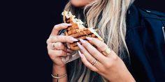 Para que no apestes todo el salón. Diy Snacks, Party Snacks, Healthy Snacks, Healthy Recipes, Brunch Recipes, Snack Recipes, Diy Party Food, Easy Mug Cake, Snacks Saludables