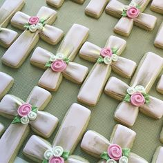 Special baptism cookies for special girl! @lcsweets