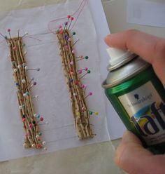Liberty Biberty: How I drape fabric and make mini curtains - Liberty Biberty: How I drape fabric and make mini curtains - Dollhouse Miniature Tutorials, Miniature Crafts, Diy Dollhouse, Miniature Dolls, Dollhouse Miniatures, Dollhouse Accessories, Doll Accessories, Doll House Curtains, 12 Curtains
