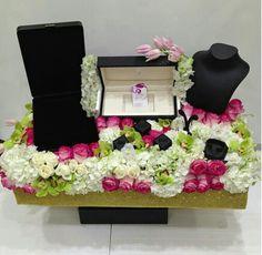 More                                                                                                                                                                                 More Wedding Gift Wrapping, Wedding Gift Boxes, Beach Wedding Favors, Craft Wedding, Wedding Prep, Wedding Wishes, Ring Holder Wedding, Ring Pillow Wedding, Indian Wedding Gifts