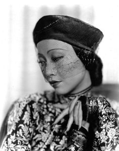 "wehadfacesthen: ""Anna May Wong, 1935 "" Golden Age Of Hollywood, Vintage Hollywood, Classic Hollywood, Hollywood Style, Hollywood Icons, Vintage Vogue, Vintage Ladies, Santa Monica, Anna May"