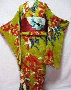 銘仙の古着:大正から昭和初期に庶民の間で大流行した銘仙。色遣いやデザインがとても大胆。