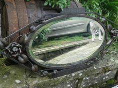 miroir 1900 en tres bel etat