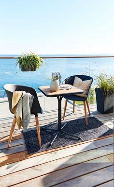 Scandinavische bistroset bestaande uit tuintafel ORTEN L58cm+2 stoel VARMING zwart met hout | JYSK