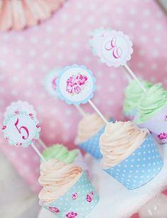 Shabby-Chic-Tea-Party_Cupcakes_600x784