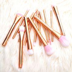 15PCS Rose Gold And Pink Cosmetic Makeup Brush Set