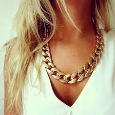 How to Chic: CHAIN NECKLACE