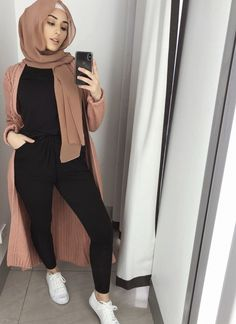 Long open cardigans hijab style Just Trendy Girls open cardigans hijab style – Just Trendy Girls<br> Long open cardigans hijab style Just Trendy Girls Modern Hijab Fashion, Street Hijab Fashion, Hijab Fashion Inspiration, Islamic Fashion, Muslim Fashion, Mode Inspiration, Modest Fashion, Fashion Outfits, Modest Outfits Muslim