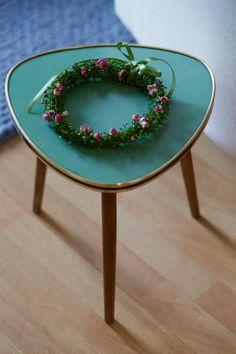 Blumenkranz mit getrockneten Rosen Shabby Vintage, Table, Furniture, Home Decor, Stuttgart, Floral Wreath, Home Decor Accessories, Products, Homemade Home Decor