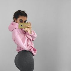 Pin en Selfies y poses Selfies, Selfie Poses, Chill Outfits, Summer Outfits, Cute Outfits, Look Body, Foto Casual, Fitness Inspiration, Style Inspiration