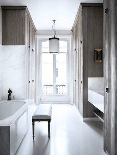 Historic Parisian Apartment with Contemporary Art 18