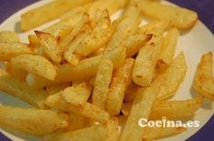 Patatas a la cerveza Desserts From Spain, Spanish Desserts, Spanish Tapas, Spanish Food, Holiday Recipes, Great Recipes, Veggie Main Dishes, Macaroni And Cheese, Vegetarian Recipes